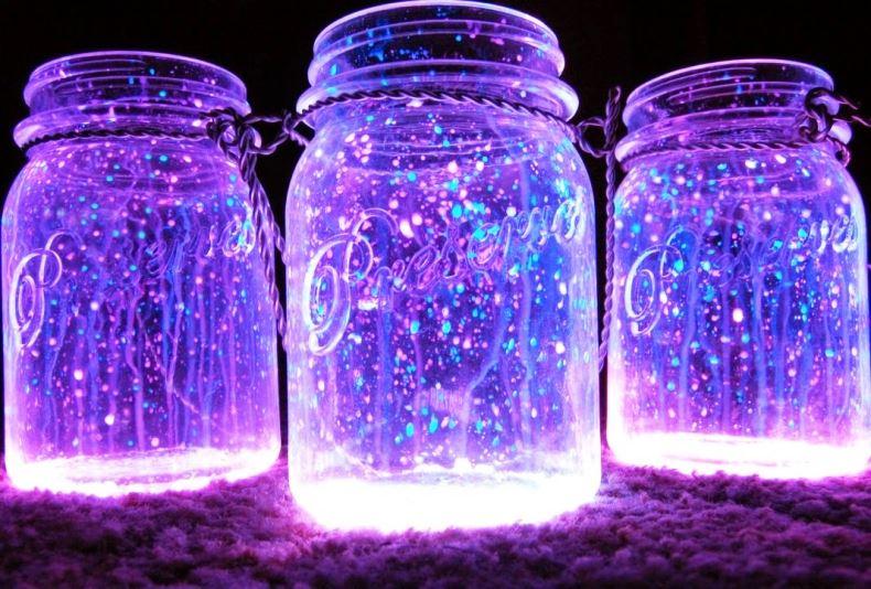 UV fényre foszforeszkáló színek